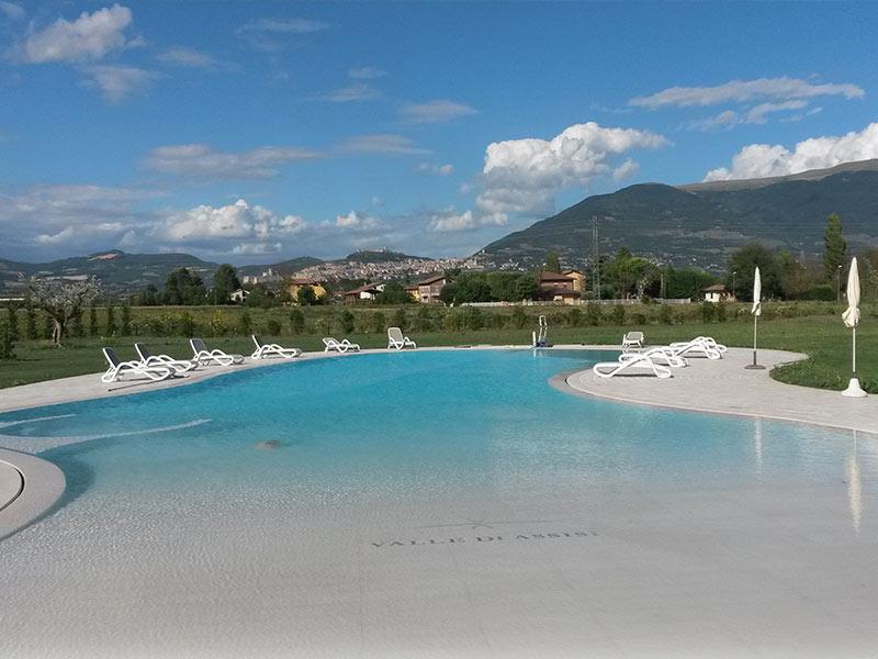 piscina esterna pietra