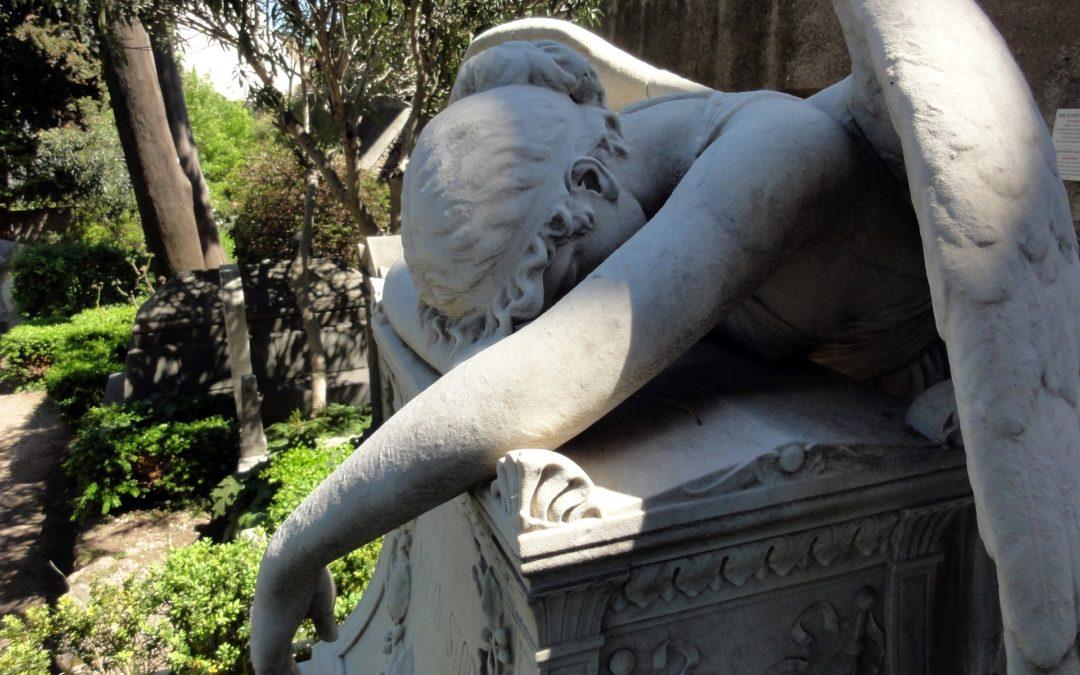 Il valore simbolico del marmo nei monumenti funebri